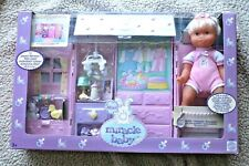 VINTAGE MINI MIRACLE BABY NURSERY (BEBÉ 21CMs). MATTEL 2002, BRAND NEW IN BOX!