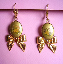 1881 / BOUCLES D'OREILLE PERCEES METAL DORE EMAILLE