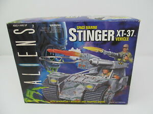 Aliens Stinger XT-37 vehicle Kenner 1992 vintage toy, new sealed old stock