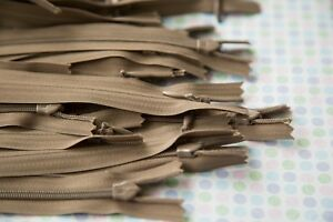 5  x 20 cm    Taupe invisible ZIPS ZIPPERS  (# 342      )