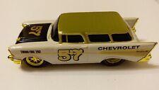 M2 Machines Ground Pounder R19 1957 Chevrolet Nomad Gold CHASE