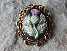 2 IN 1 SCOTTISH THISTLE HAND PAINTED CAMEO ANTIQUE GOLD BROOCH / PIN / PENDANT