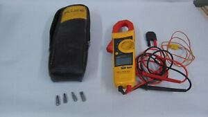 PRE-OWNED FLUKE 902 HVAC CLAMP METER WITH LEADS