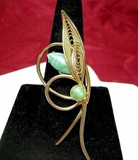 GOLD TONE FILIGREE PIN WITH GREEN JADE BROOCH VINTAGE