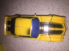 Complete 2007 Transformers 1  Movie Classic Camaro Bumblebee Deluxe Class Figure