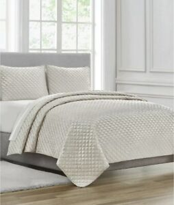 """Waterford Linens California/eastern King """"Millie """" 3pc Quilt Ivory Premium Set"""