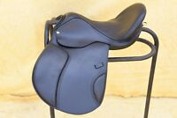 Black GP ( JUMPING ) Treeless Saddle double pad in 9 size with accessories