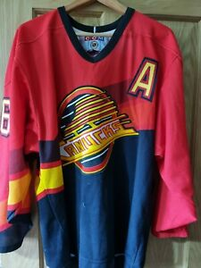 Vancouver Canucks Flying Skate Gradient Jersey / shirt / top Red - CCM Large