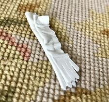 Pat Tyler Dollhouse Miniature Leather Gloves 1:12 Clothing White