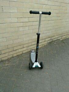 Maxi Micro Silver Scooter