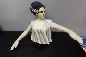 DIAMOND SELECT THE BRIDE OF FRANKENSTEIN BUST BANK
