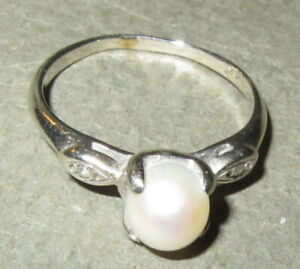 vintage real pearl 14K gold ring, size 6.5
