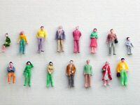 F6 H0- Konvolut von 100 Stück Figuren Reisende Passanten Stehende