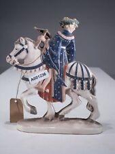 +# A001236 Goebel Archivmuster, Yel 1, Pferd mit Reiter und Bogen auf Postament