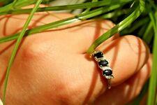 9ct white gold deep blue sapphire and diamond three stone ring  T 2g