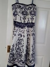 Lovely Modern Porcelain Pattern Dress by Vila Collection size S UK size 10