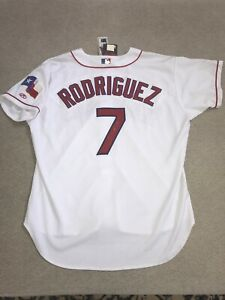 Autographed Ivan Pudge Rodriguez Authentic Rawlings Texas Rangers Jersey 52 NWT