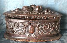 BOITE ANCIENNE FORET NOIRE ( L 28 cm x 18 cm H 15.5 cm )