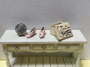Vintage Artisan S ROUNTREE Pink Leather Pumps & Box Dollhouse Miniature 1:12