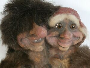 NY FORM Made in Norway 1997 Troll Family of 4 w/ Original Hang Tag Booklet Label