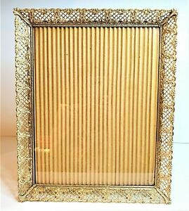 Vintage 11 x 14 Gold & White Metal Filigree Photo Picture Frame Hanging & Stand