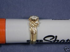 14K Gold w/9 Diamonds Ring - 4.3grams Size 5 3/4 .15 Center Marquise and Two .05