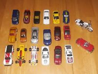 Lot of 20 Diecast and Plastic Cars 1:64  1 Matchbox,Maisto & more Loose