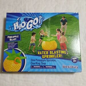 """Pineapple Blast Sprinkler and Ring Toss by H2O GO! 31.9"""" x 29.9"""" x 25.2"""""""