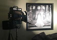 Großer 2KW Arri Filmscheinwerfer incl.orig.Stativ, TOP Zustand, Rarität, Loft