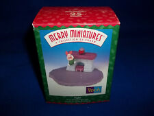 1999 Hallmark Piglet Figurine First Of Four Christmas At Pooh's House Minatures