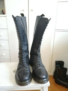 Dr Martens 1B60 Virginia Boots 41 UK7 US9 20 Loch 20 eye 1420 Black Punk Gothic