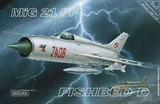 MiG 21 PF /COMBO/(POLISH, GERMAN, SLOVAK, ROMANIAN & SOVIET MKGS) 1/72 AKKURA
