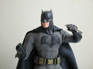 Mezco One 12 Collective DC Batman v Superman: Dawn of Justice Batman