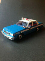 Chevrolet Caprice Classic NYPD New York Police 1985 MCG Model Car Group 1:18