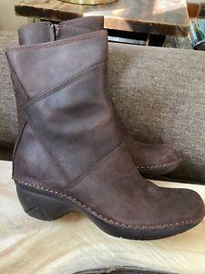 MERRELL Brunette Dark Brown Leather Ankle Boots Women's Sz 7.5M Waterproof EUC