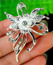 48x36x13mm White Brooch With Diamond Inlay In Alloy Flower Pendant AP14693