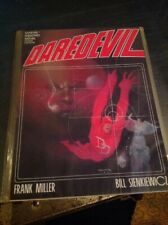 Daredevil in Love And War Marvel Graphic Novel Miller SIENKIEWICZ 1st Print