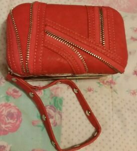 """Woman's Religion """"zip design front""""clutch Bag. Red faux leath ☆small size☆"""