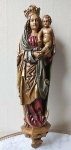 Vierge A L'enfant En Bois Peint Murale