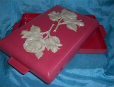 UNIQUE VINTAGE MID CENTURY PINK PLASTIC AND SCULPTED ROSE LIDDED DRESSER BOX