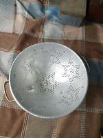 "Vintage 9"" Diameter  MIRRO 7 Stars Aluminum Footed Colander Strainer Decor USA"