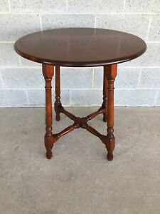 VINTAGE STICKLEY BROTHERS SOLID CHERRY ROUND LAMP TABLE