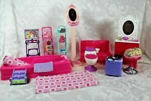 BARBIE BATHROOM FURNITURE MIXED LOT with Accessories Towels Make up  Ear Rings