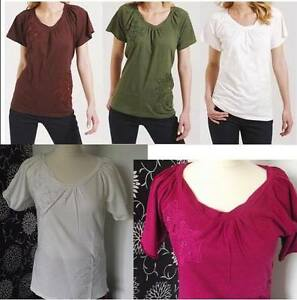 NEW WOMAN'S FLORAL BERRY IVORY KHAKI AUBERGINE TOP SIZES 10 12 14 16 18 22