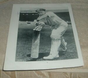 "Hand Signed Sir DONALD BRADMAN "" THE DON "" Australian Test Cricketer Photo"