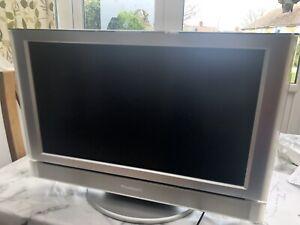 Panasonic TX-22LT2 22 inch LCD TV Silver. Used.