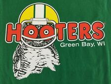 Hooters Green Bay Packers T Shirt M NFL Football WI Helmet Go Pack Go 2 Sides