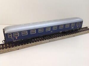 Marklin HO 4032 - DB Express Passenger Coach with interior lights.