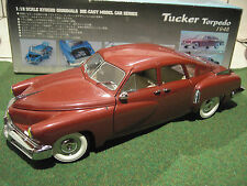 TUCKER TORPEDO rouge de l'année 1948 au 1/18 de KYOSHO 08201R voiture miniature