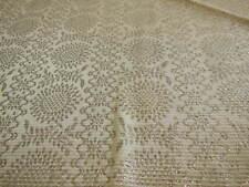 B4 ancien tissu blanc tramé motif argenté grosse fleur 42 cm sur 30 cm année 50